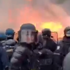 Paris Authorities Remove Barricades, Extinguish Fires, on 1st Anniversary of Yellow Vest Protests
