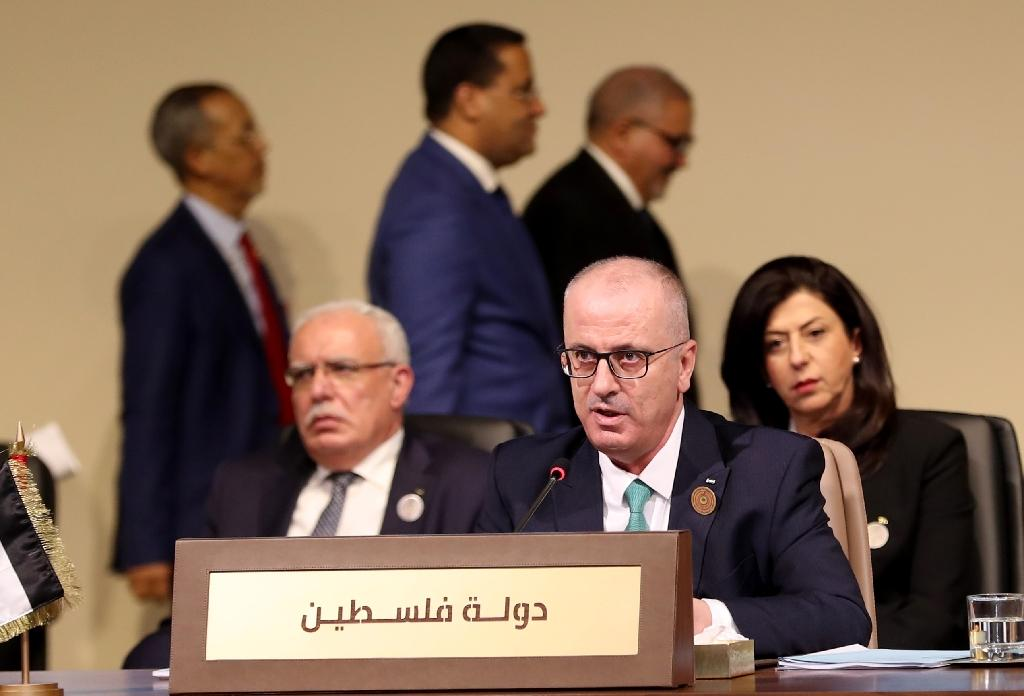 A handout picture provided by the Lebanese photo agency Dalati and Nohra on January 20, 2019 shows Palestinian prime minister Rami Hamdallah addressing a regional economic summit in the Lebanese capital Beirut