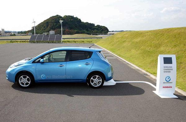 Nissan Leaf to get minor range boost, prove Moore's Law doesn't apply to EVs