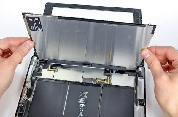 iFixit has an iPad 2, and they're ripping it apart (video)