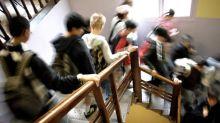 """""""Tenue républicaine"""": qui décide de la tenue vestimentaire à adopter dans les établissements scolaires?"""