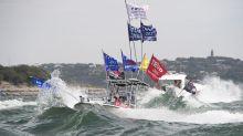 Cinco barcos se hunden en desfile náutico a favor de Trump