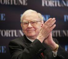 Warren Buffett sold more than $800 million worth of Apple stock last quarter