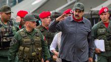 """La Fuerza Armada ratifica su """"lealtad"""" a Maduro tras ser acusado por EE.UU."""
