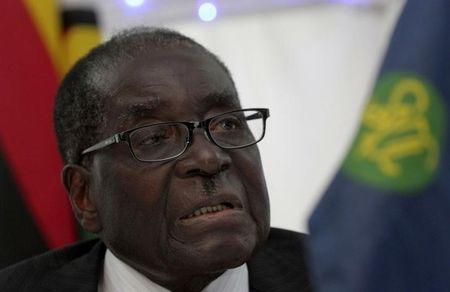 Zimbabwe President Robert Mugabe speaks at the 34th SADC Summit in Victoria Fall