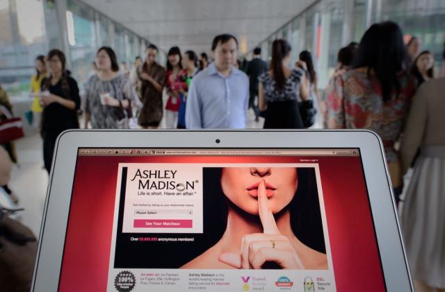Hackers dump stolen Ashley Madison data onto the Dark Web