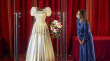 Hochzeitskleid von Prinzessin Beatrice im Museum zu sehen