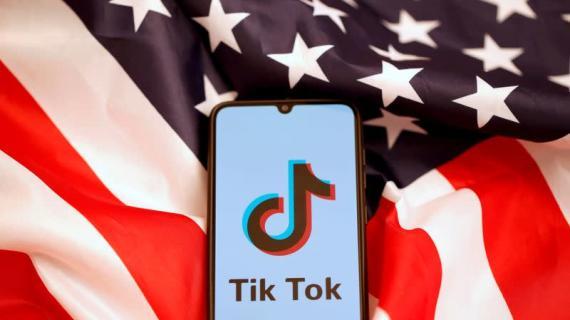 Judge temporarily blocks Trump action on TikTok