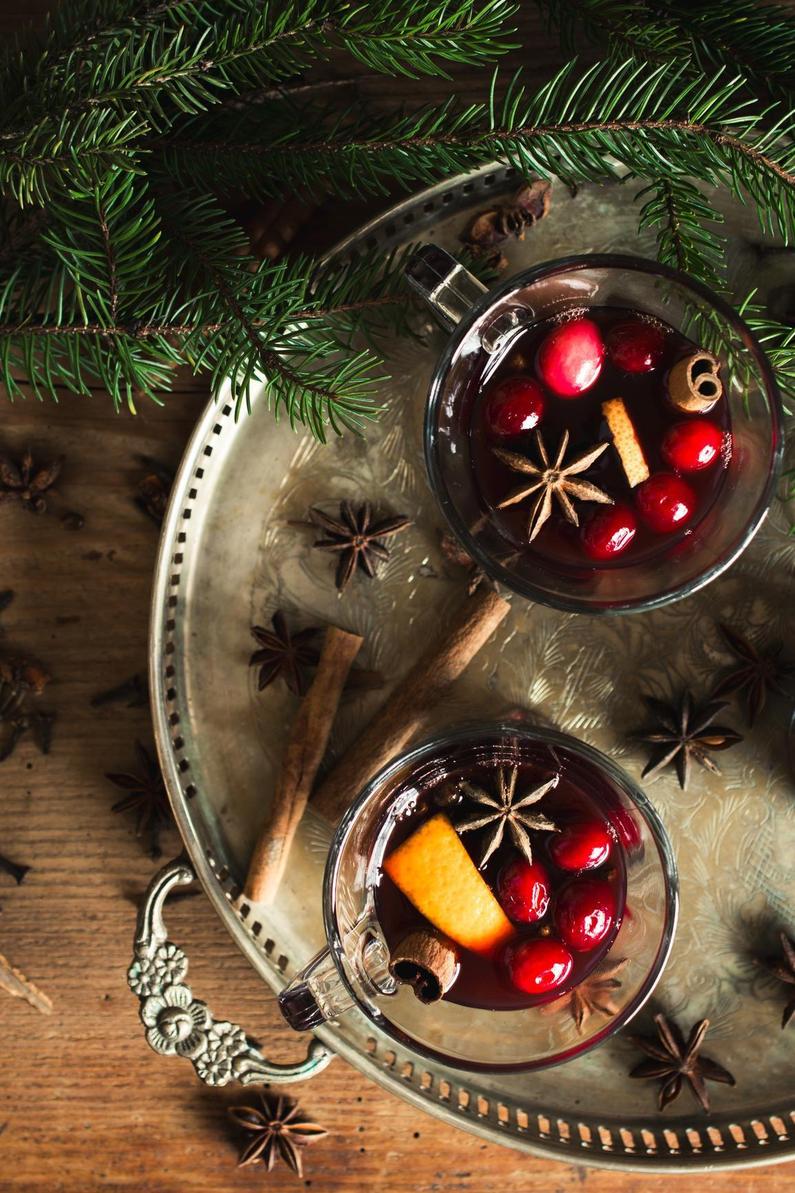 Why crock pot mulled wine is the perfect holiday cocktail video - Make perfect mulled wine ...