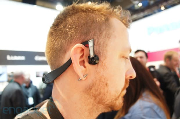 Panasonic announces bone conduction headphones, we go temples-on