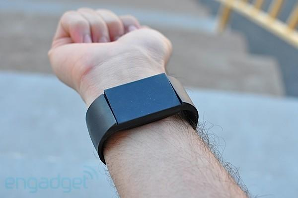 Mutewatch wrists-on: stay on-task with good vibrations (video)