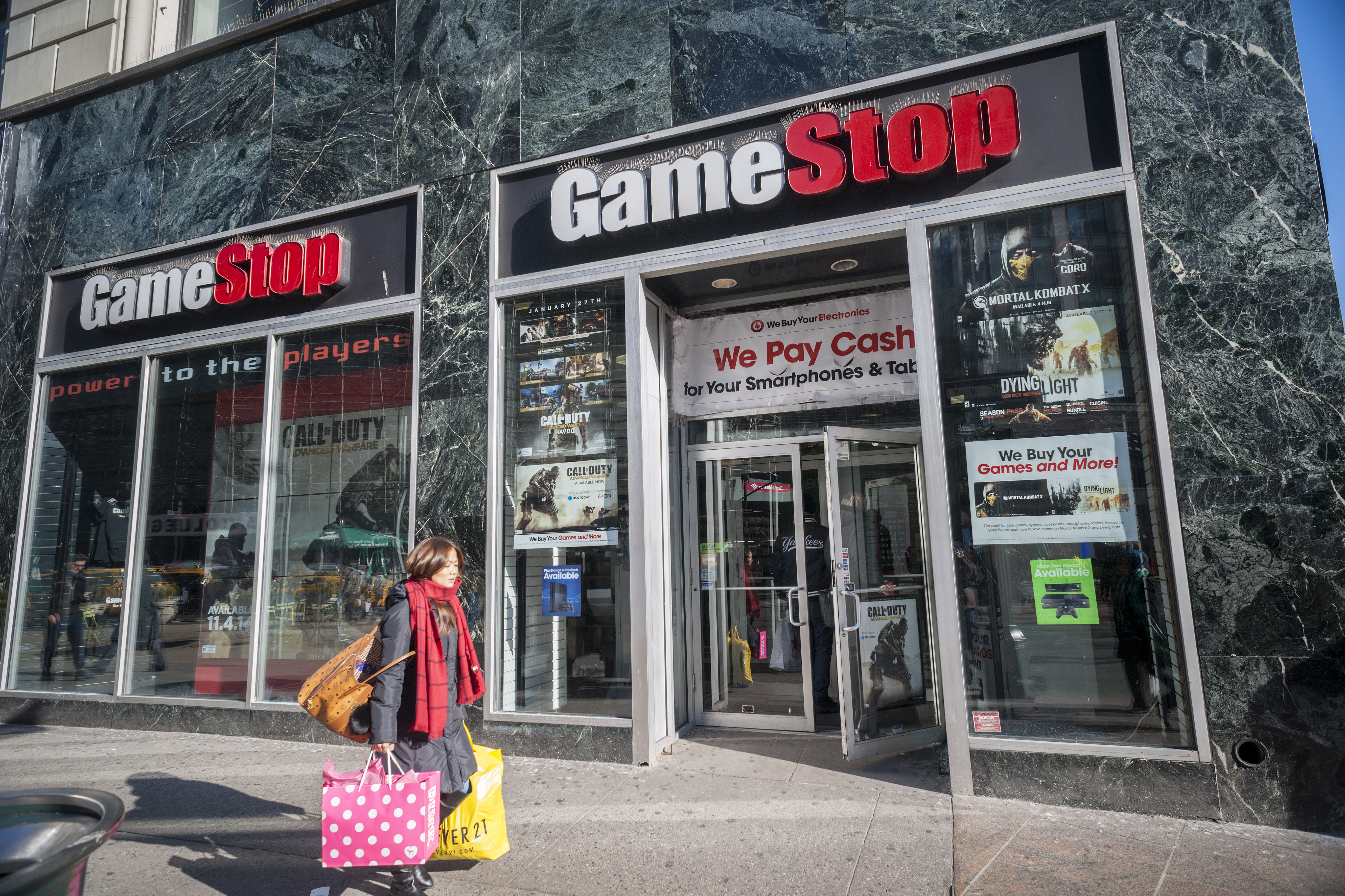 How Much Money Does GameStop Pay for Used Video Games? The amount of money GameStop pays for used video games varies by game; for example, used copies of the games