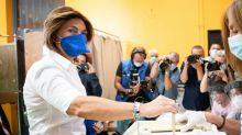 Procurations frauduleuses à Marseille : 9 personnes en garde à vue, dont un maire LR
