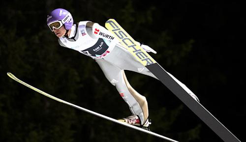 """Skispringen: Wellinger verliert als Dritter """"Raw Air""""-Führung an Kraft"""