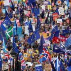 Hundreds of thousands march in London for a second Brexit referendum