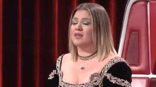 Kelly Clarkson cries over 'Voice' contestant DeSz's top 5 performance: 'I needed that song'