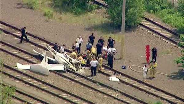 Small plane crashes in Linden, New Jersey