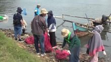 """Thousands take part in """"World Cleanup Day"""" in Indonesia"""