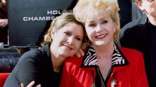 Fans pay tribute to Carrie Fisher and Debbie Reynolds at public memorial service
