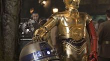 The Poignant Story of How C-3PO Got That Red Arm in 'The Force Awakens'