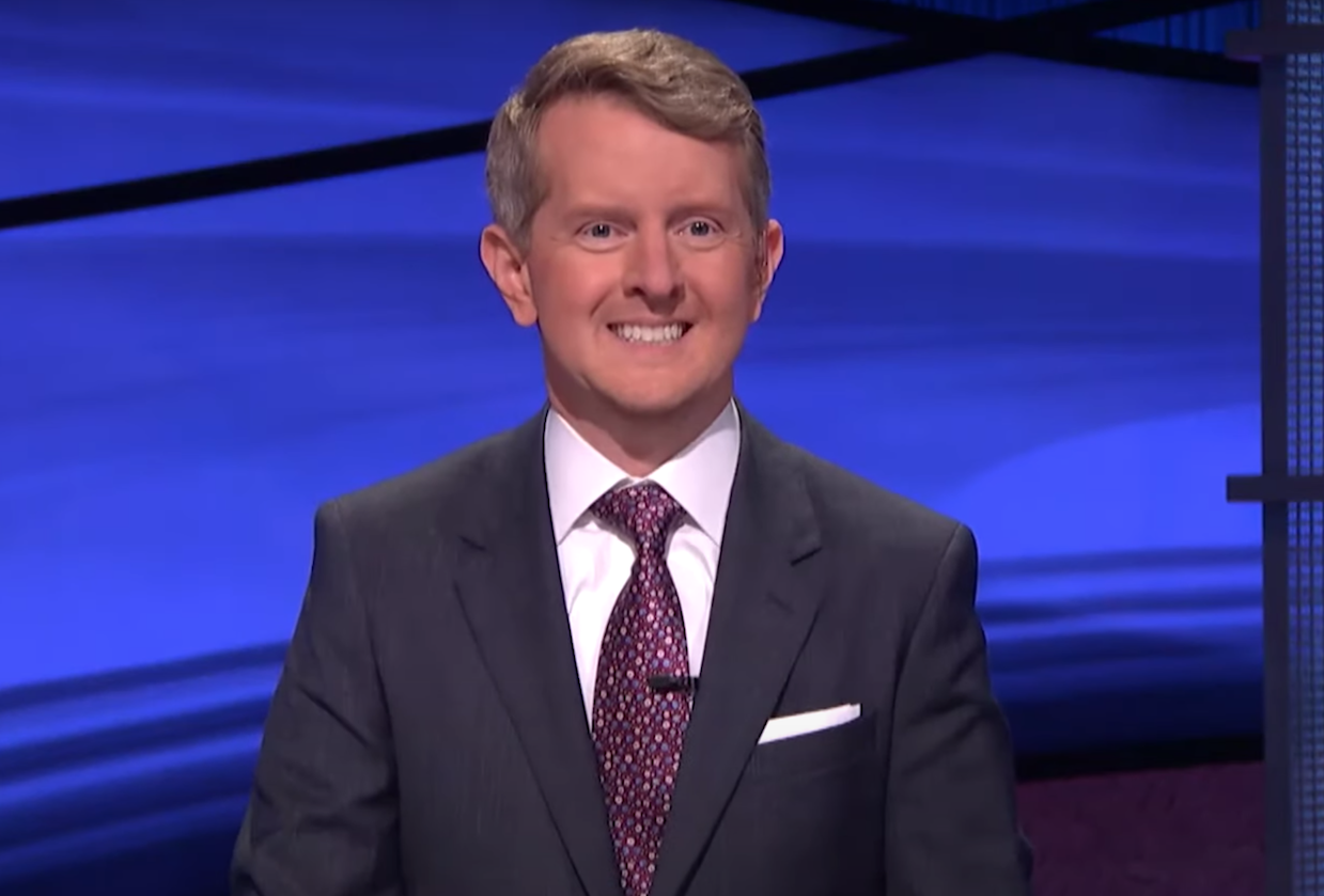 Jeopardy's Ken Jennings Marks Last Day as Guest Host, Thanks Viewers for 'Patience With Tough Learning Curve' - Yahoo Entertainment