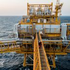 Oil Climbs Toward $75 in London AfterTrump Tightens Screws on Iran