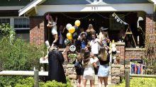 """Aux Etats-Unis, des étudiants organisent des """"soirées Covid"""" et parient sur qui l'attrapera en premier"""