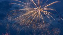 ¿Cómo es volar entre fuegos de artificio? Video lo demuestra y es increíble