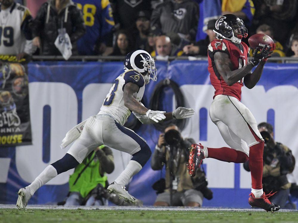 Atlanta Falcons wide receiver Julio Jones scores a touchdown in a win over the Rams. (AP)