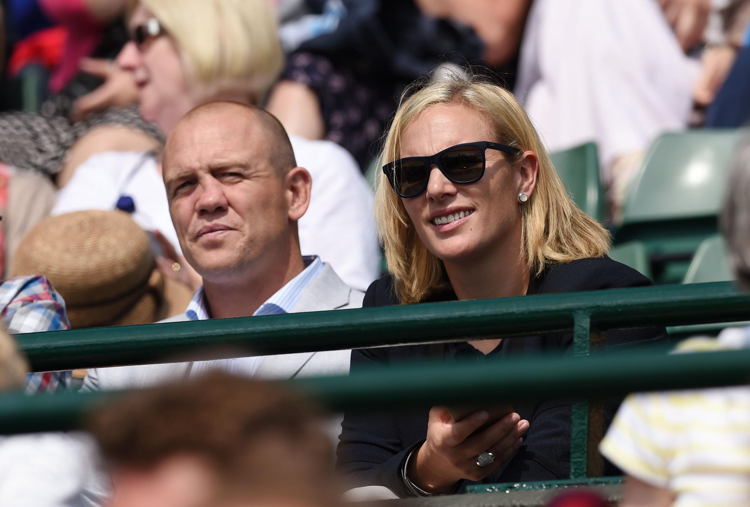 Tennis - Wimbledon - All England Lawn Tennis & Croquet Club, Wimbledon, England - 8/7/15 Men's Singles - Zara Phillips with husband Mike Tindall on court 1 during the quarter finals Action Images via Reuters / Tony O'Brien Livepic EDITORIAL USE ONLY.