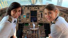 Foto de mãe e filha pilotando aeronave agita redes sociais: 'Já era hora'