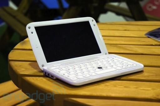 Ergo launches the GoNote Mini, a 7-inch Android tablet / netbook hybrid, we go hands-on
