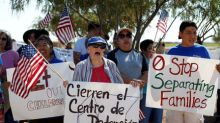 Judge orders U.S. to review asylum for separated migrant families