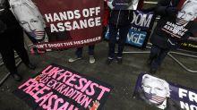 Más de cien médicos piden que Assange reciba atención sanitaria urgente