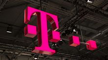 The Smart Money Is Ignoring the Bad News for T-Mobile's Stock