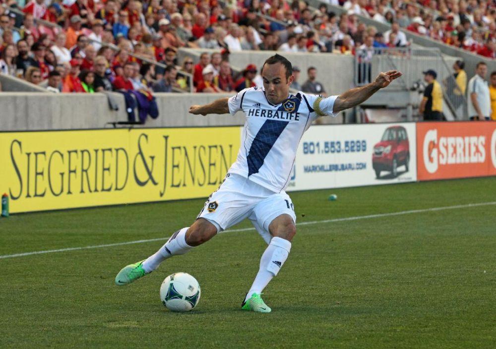 Donovan has hat trick; Galaxy, FC Dallas draw 3-3