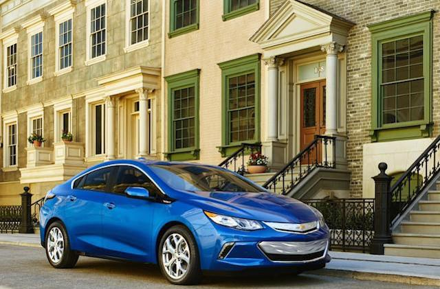2016 Chevrolet Volt features CarPlay support, better range
