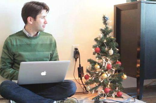 Arduino hack lights up the tree with every email, spammers get in spirit