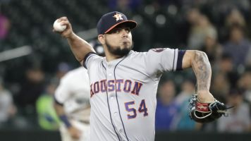 Report: Astros executive confronts female reporters over alleged domestic assaulter Roberto Osuna