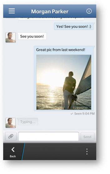 Facebook app update brings Chat, quicker scrolling and more to BlackBerry 10