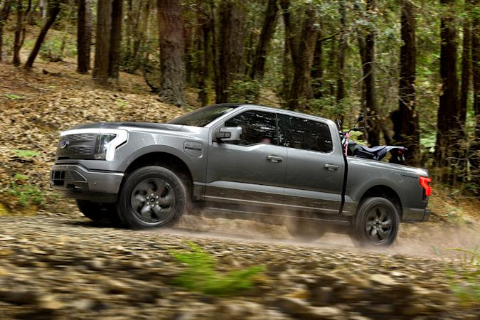 2022 Ford F-150 Lightning Lariat electric truck
