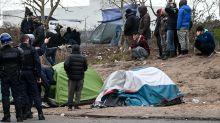 Calais : un important campement de migrants démantelé