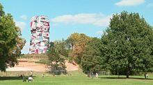 """La """"Tour aux Figures"""" de Dubuffet a retrouvé ses couleurs et s'offre à nouveau aux visiteurs"""