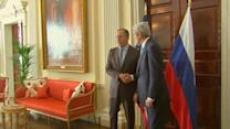 Kerry, Lavrov meet in UK to defuse tensions over Crimea