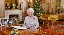 La regina Elisabetta ha fatto i regali di Natale: quanti e a che cifra