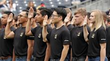 Here's How the Army Will Pay New Recruits Who Can't Get to Basic Training