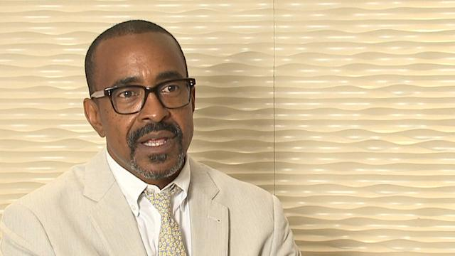 60 SECONDS WITH TIM MEADOWS