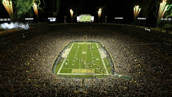 Packers making all-out push to land NFL draft