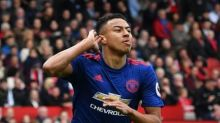 Lingard signs new long-term Man United contract