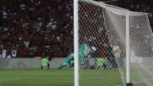 Réver e Arão destacam postura do Flamengo contra o San Lorenzo